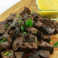 Steak bites with dipping sauce