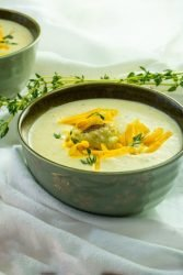 Thick and full of flavor, this Keto Creamy Roasted Cauliflower Soup is easy to make with only 4.6 grams net carbs per serving,