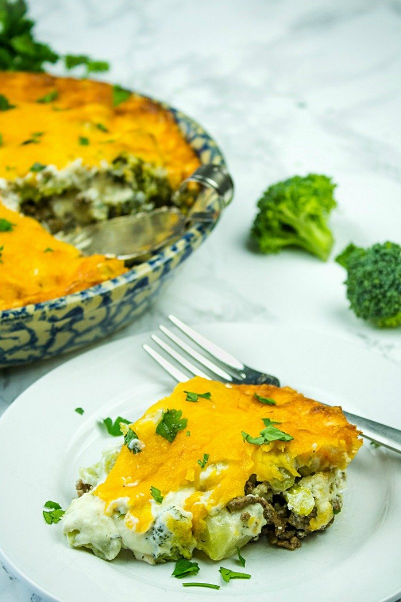 Make easy Cheesy Beef Broccoli Pie for a quick weeknight meal. Only 3.9 net carbs per serving!