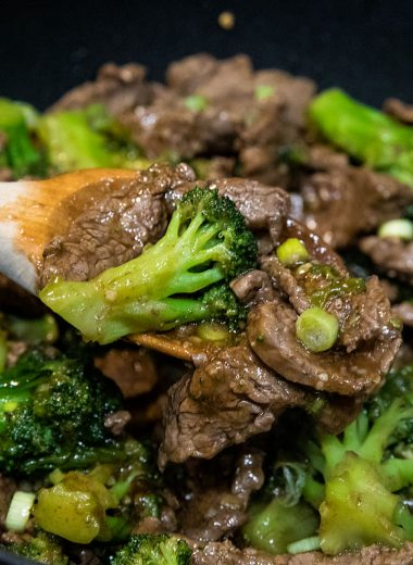 Keto Mongolian Beef Stir Fry is broccoli and steak tossed in a sweet and spicy sauce. Easy to make, healthy, with 3 net carbs per serving! #holisticyum